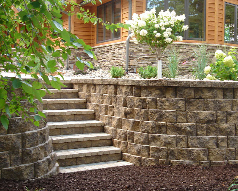 Landscape design stone blocks for Block wall landscape design